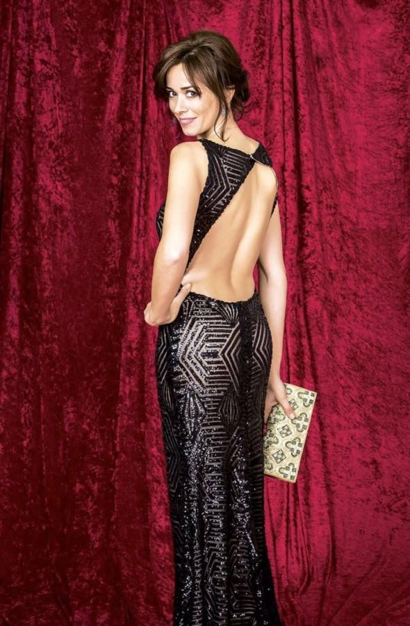 premios-goya-2016-vestido-inmaculada-garcia-barcelona-revista-hola-2-590x900