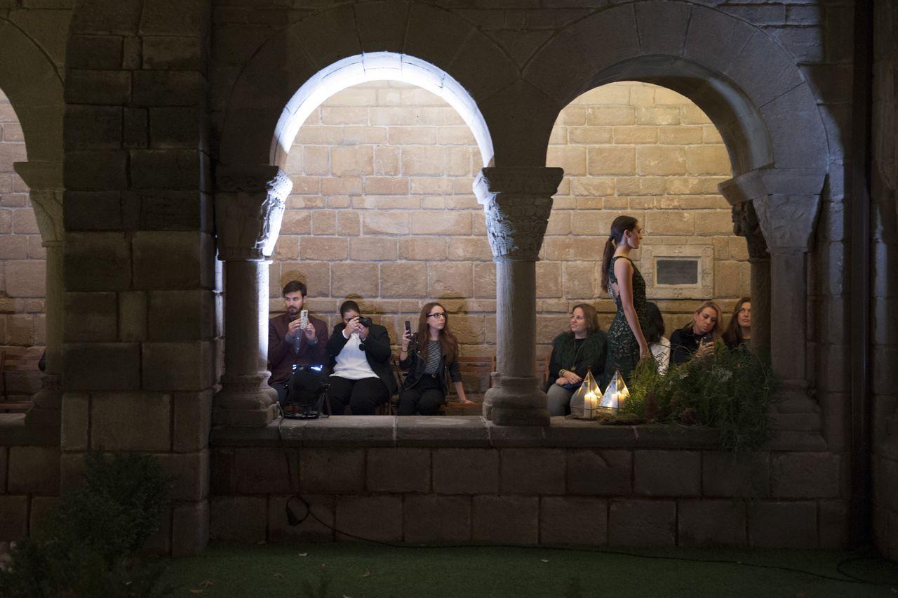 inmaculada-garcia-el-poble-espanyol-fashion-show09