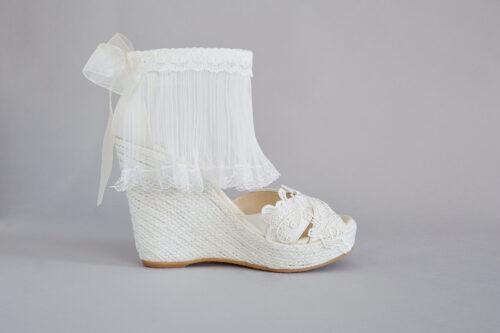 inmaculada-garcia-vestidos-novia-barcelona-complementos-alpargatas